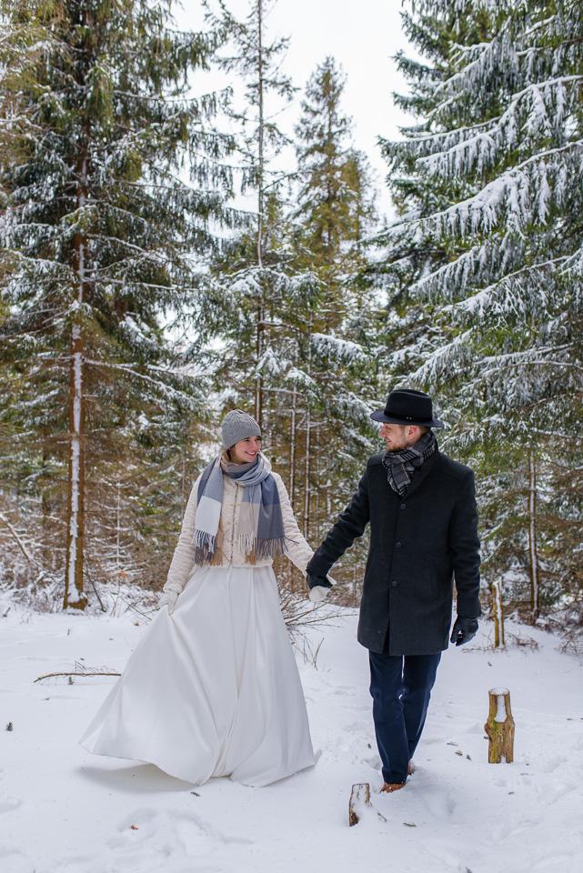 zimowa-sesja-slubna-w-gorach-17