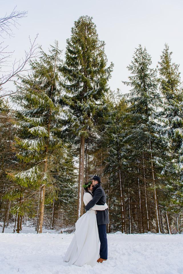 zimowa-sesja-slubna-w-gorach-36