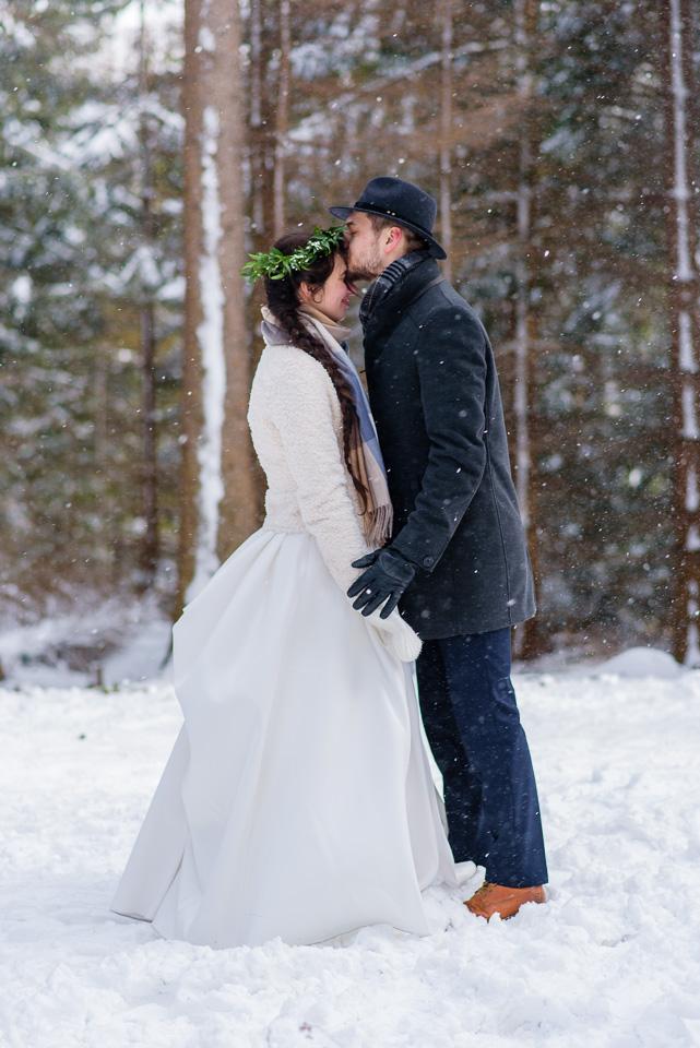 zimowa-sesja-slubna-w-gorach-37