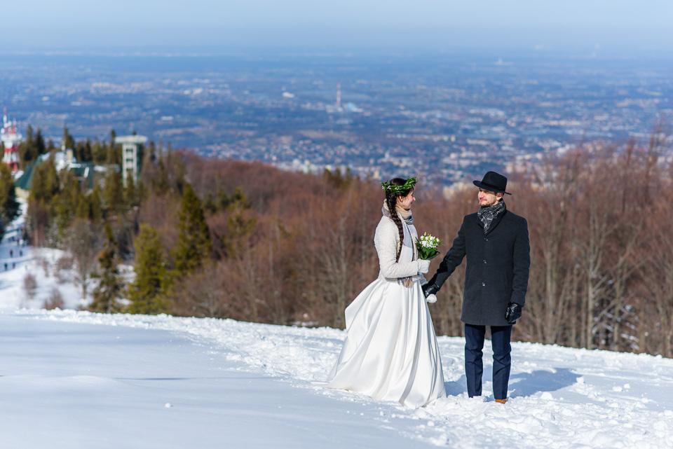 zimowa-sesja-slubna-w-gorach-38